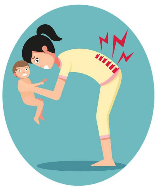 Derékfájós nő gyereket emel - alexanderezz
